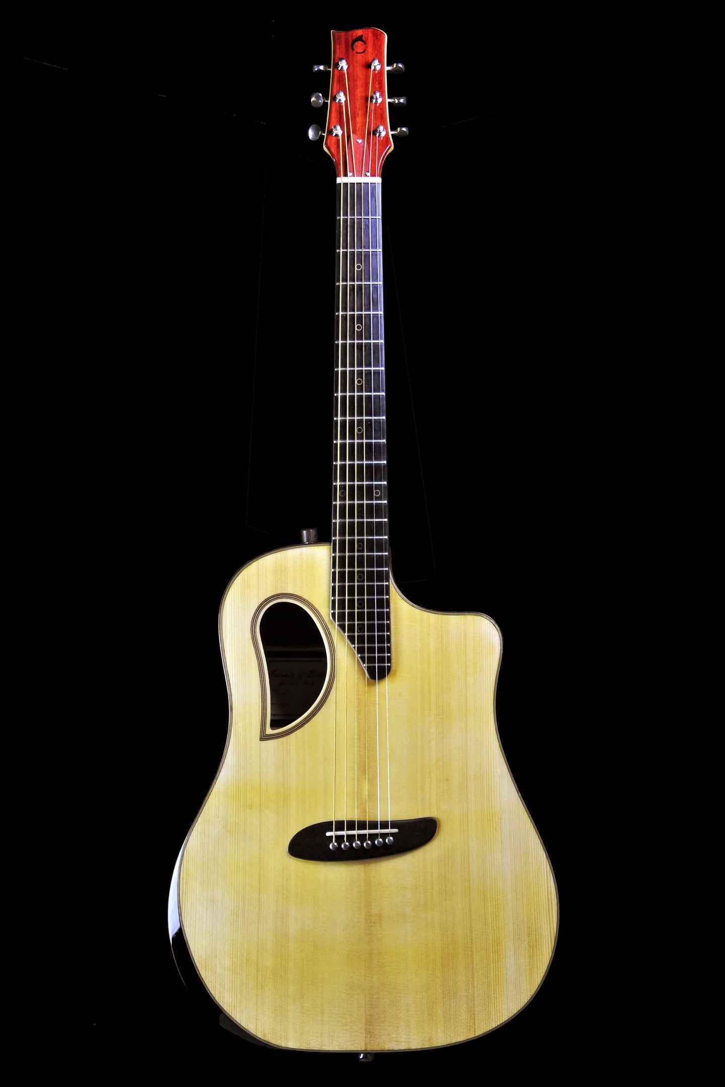 vista-frontale-chitarra-acustica-OSD