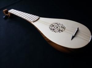 Chitarrino-medievale-liuteria-Cocopelli