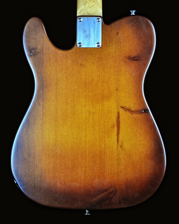 chitarra-tv-pine-retro